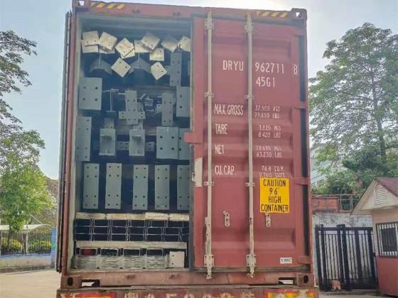 天谱安正在紧张地装运印尼山桦钢结构