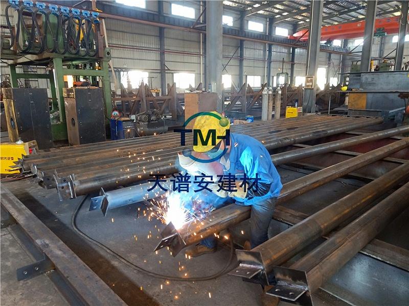 钢结构加工多少钱一吨