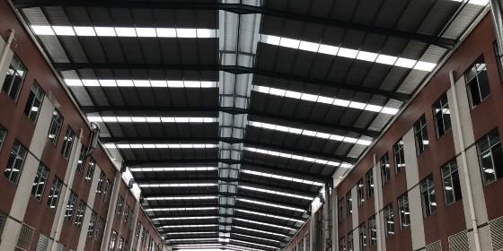 钢结构厂房雨棚搭建