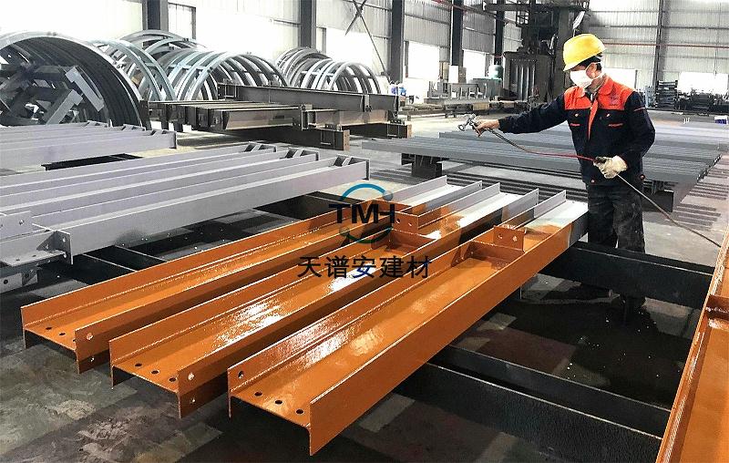 钢构施工价格贵吗