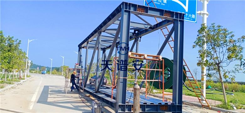 钢结构人行天桥