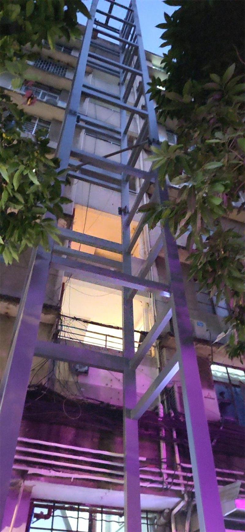 居民楼电梯井加装